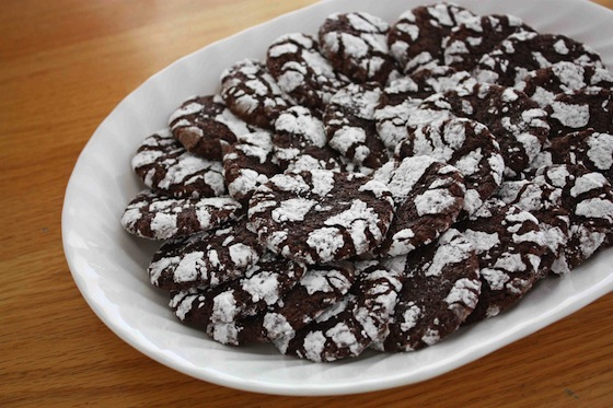 Chocolate Crinkle Cookies // One Lovely Life