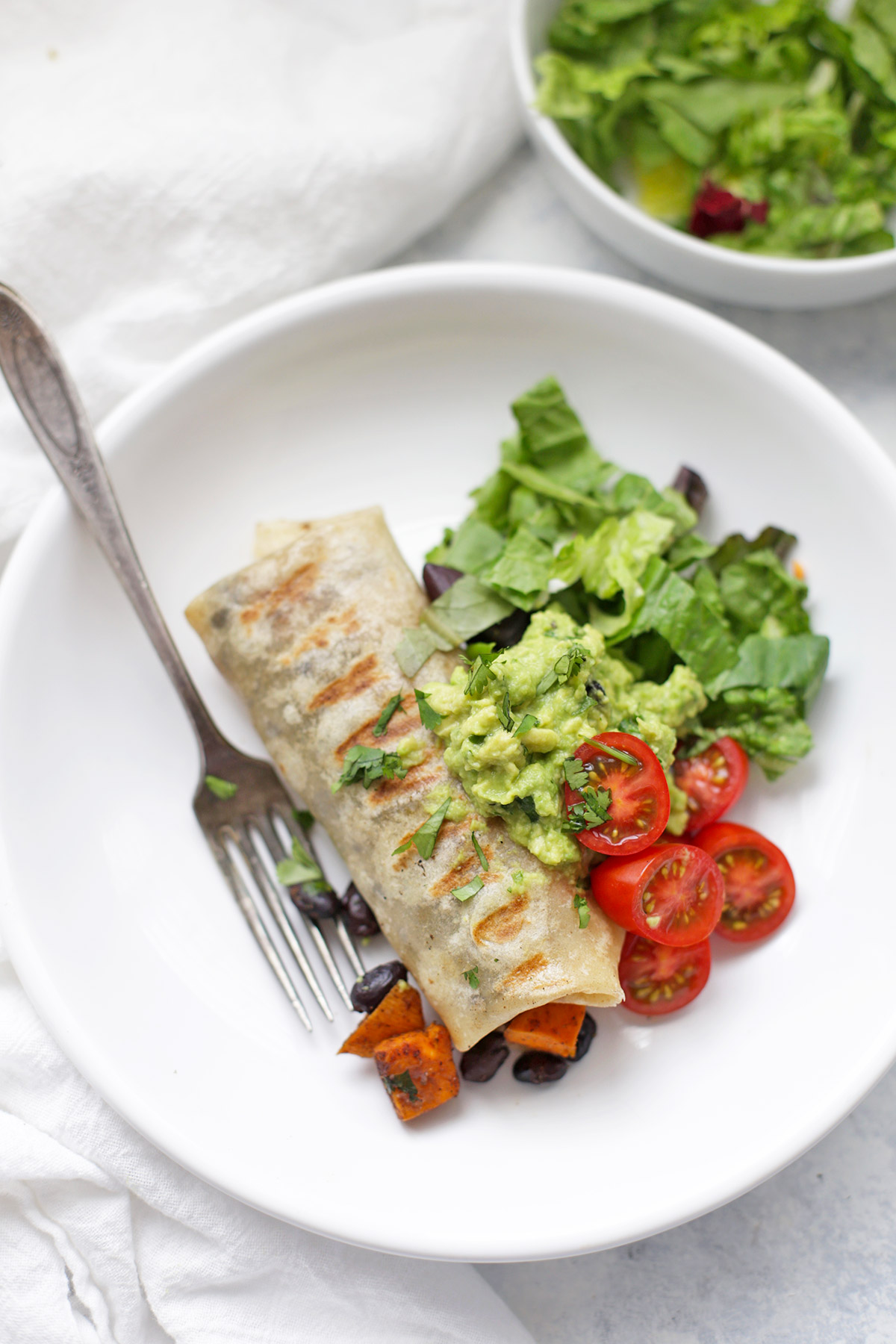 These Sweet Potato and Black Bean Burritos are the perfect easy dinner! (gluten free and vegan!)