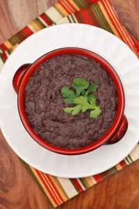 Making your own refried beans is easy! Let the slow cooker do the work for you . from www.onelovelylife.com