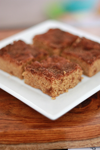 Brown Sugar Snickerdoodle Blondies // One Lovely Life