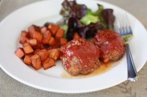 Mini Meatloaves // One Lovely Life