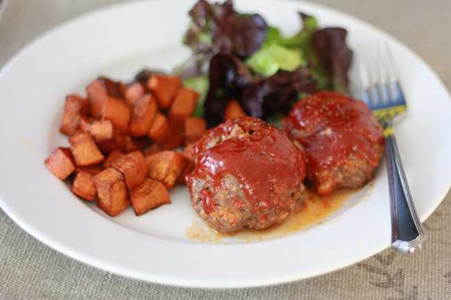 Mini Meatloaves - Gluten free, dairy free, and absolutely delicious! // One Lovely Life
