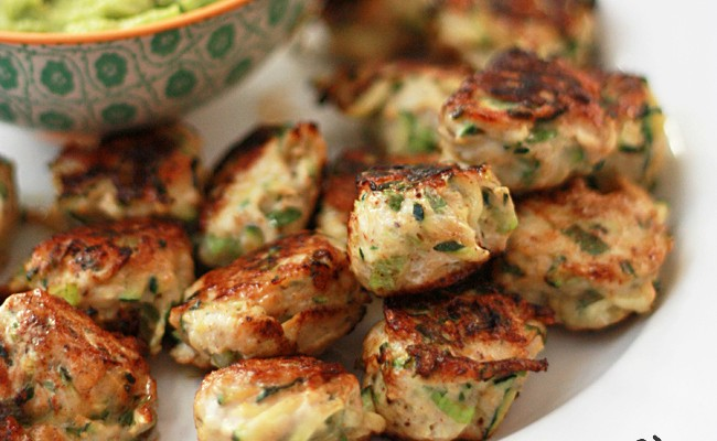 These fresh, healthy Chicken Zucchini Poppers are such an easy healthy dinner. I warn you: you'll want to make a double batch. Right now.