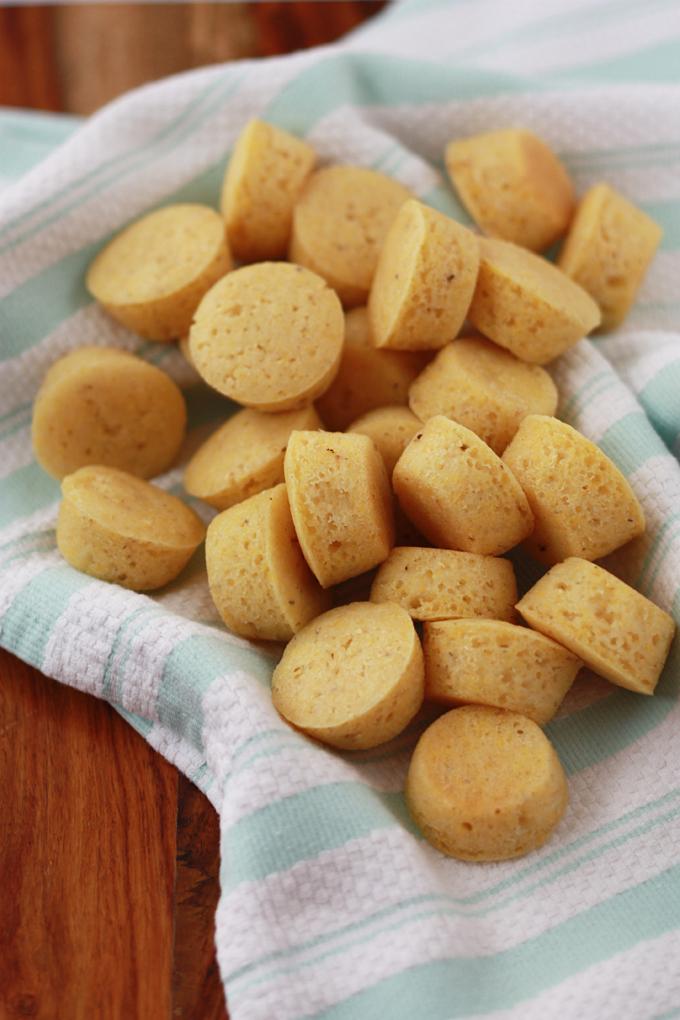 Gluten Free Mini Cornbread Muffins // One Lovely Life