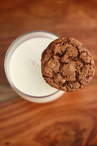 The BEST of 2014 - Almond chocolate chip cookies