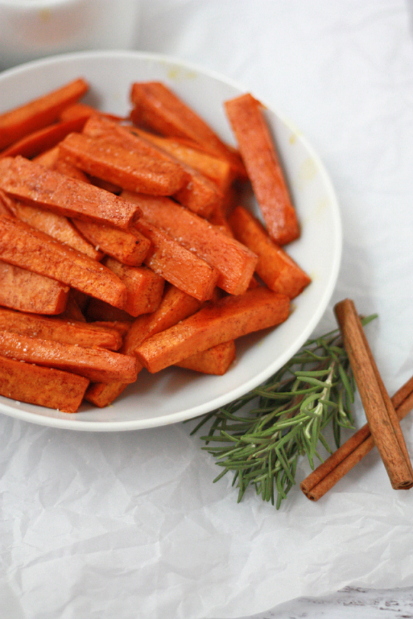 Cinnamon Rosemary Sweet Potatoes // One Lovely Life