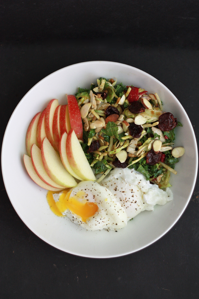 Poached eggs, salad with an awesome vinaigrette + 4 other delicious, healthy dinner ideas from www.onelovelylife.com
