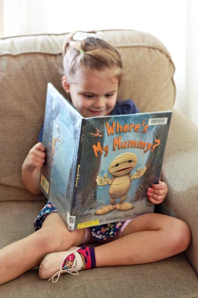 Where's My Mummy? Not-so-scary Halloween books and other fall favorites on www.onelovelylife.com