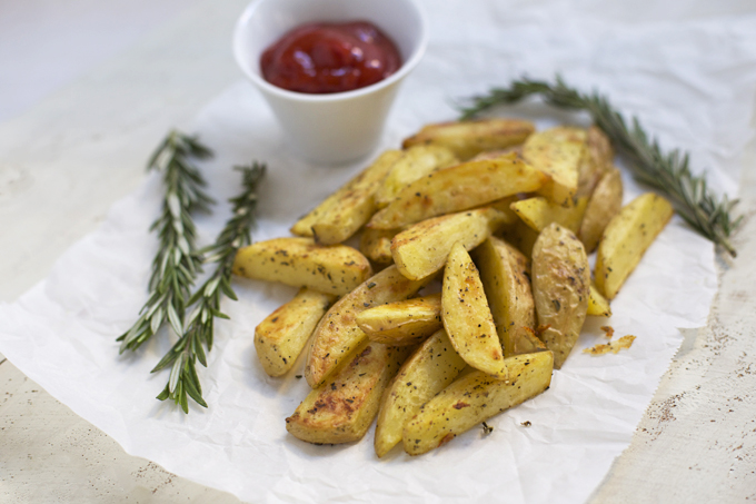Can't get enough of these Crispy Herb Roasted Potatoes. Yum!