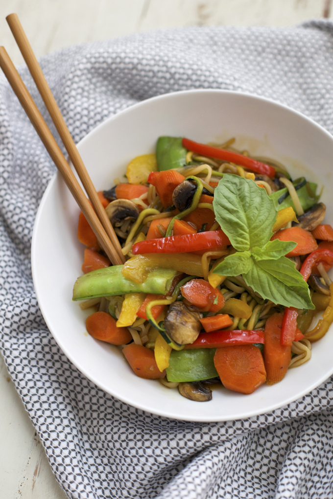 This veggie noodle stir fry is made with zucchini noodles and loads of colorful veggies. The perfect healthy dinner!