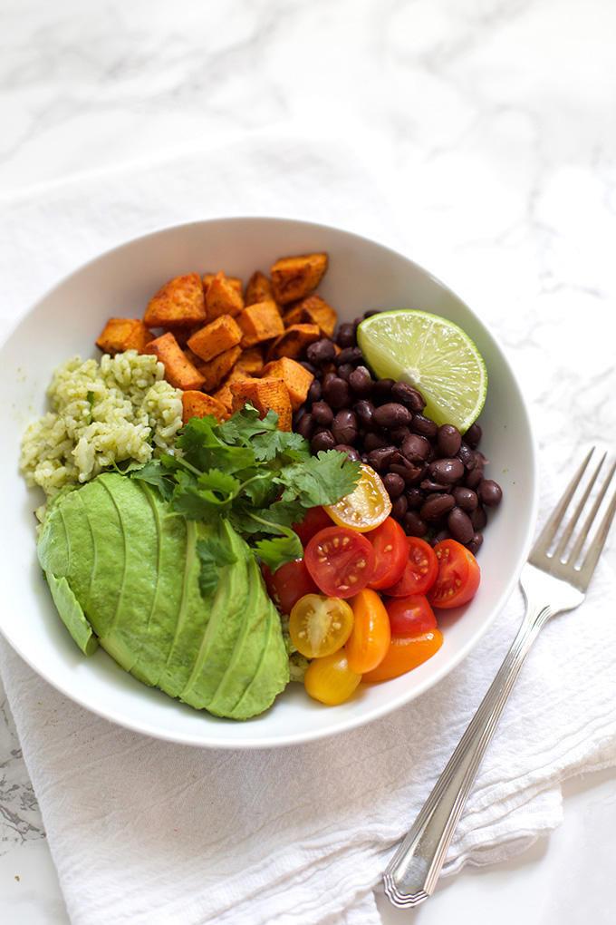 These Chipotle Sweet Potato Bowls can fit any dietary needs from paleo to vegan! Add your favorite toppings to make them just the way you like.