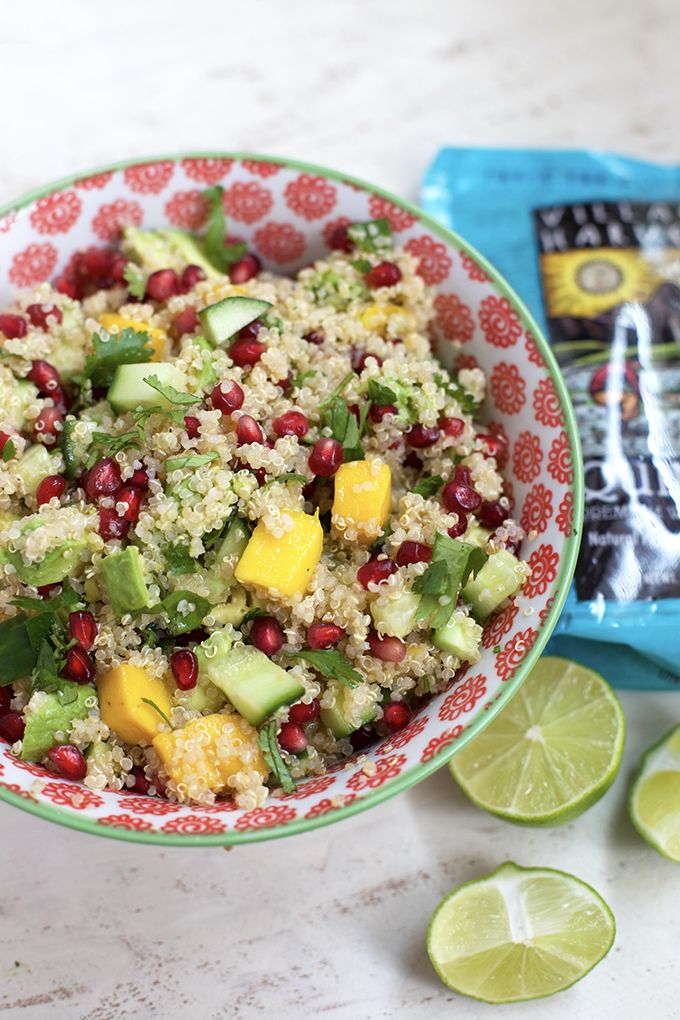 This Mango Avocado Quinoa Salad Has A Spring Roll Vibe It S Loaded With Color
