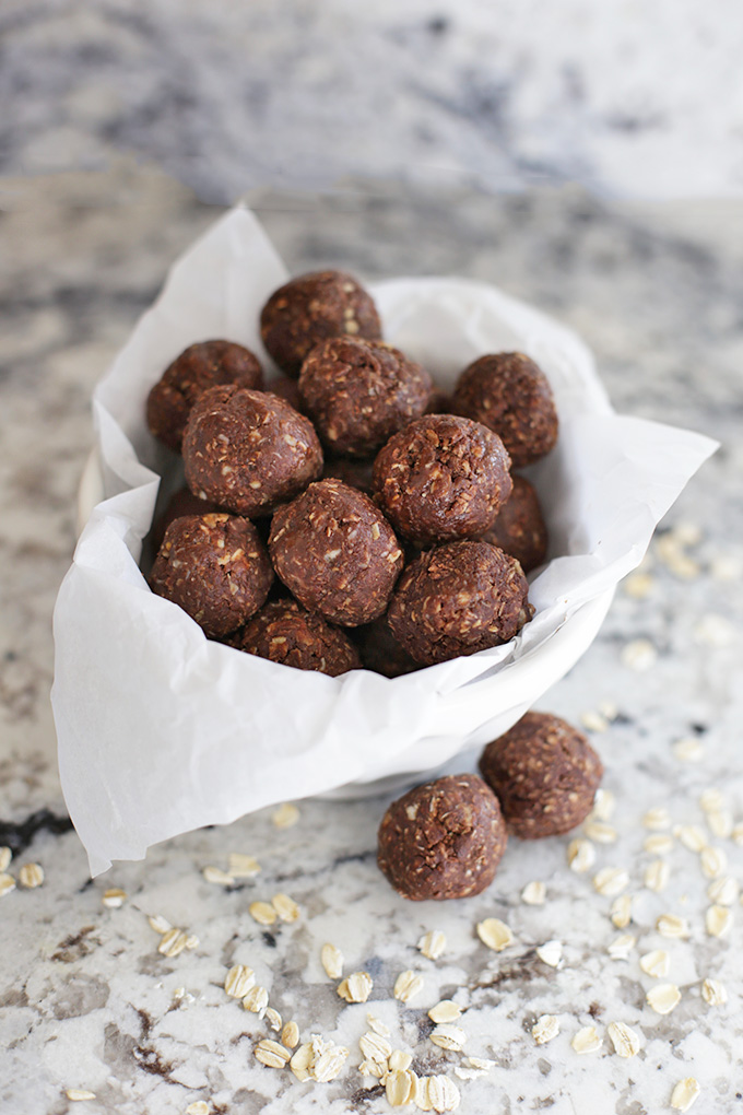 Energy bites that taste like No-Bake Cookies! The perfect protein-packed treat when you're craving something sweet.