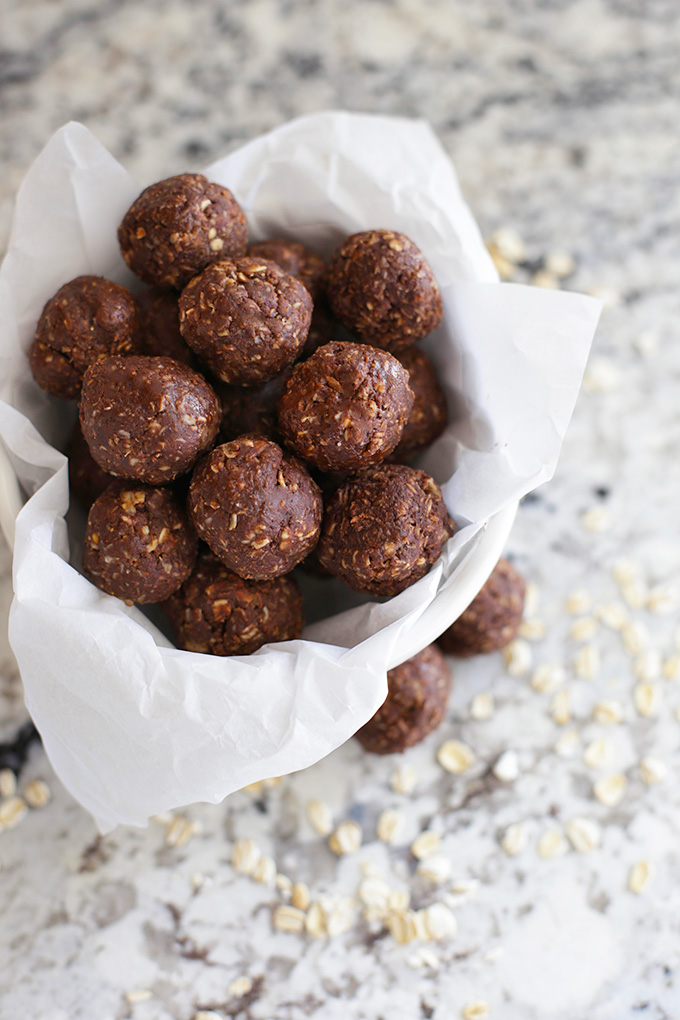 Healthy No Bake Cookie Energy Bites are a perfect healthier treat!