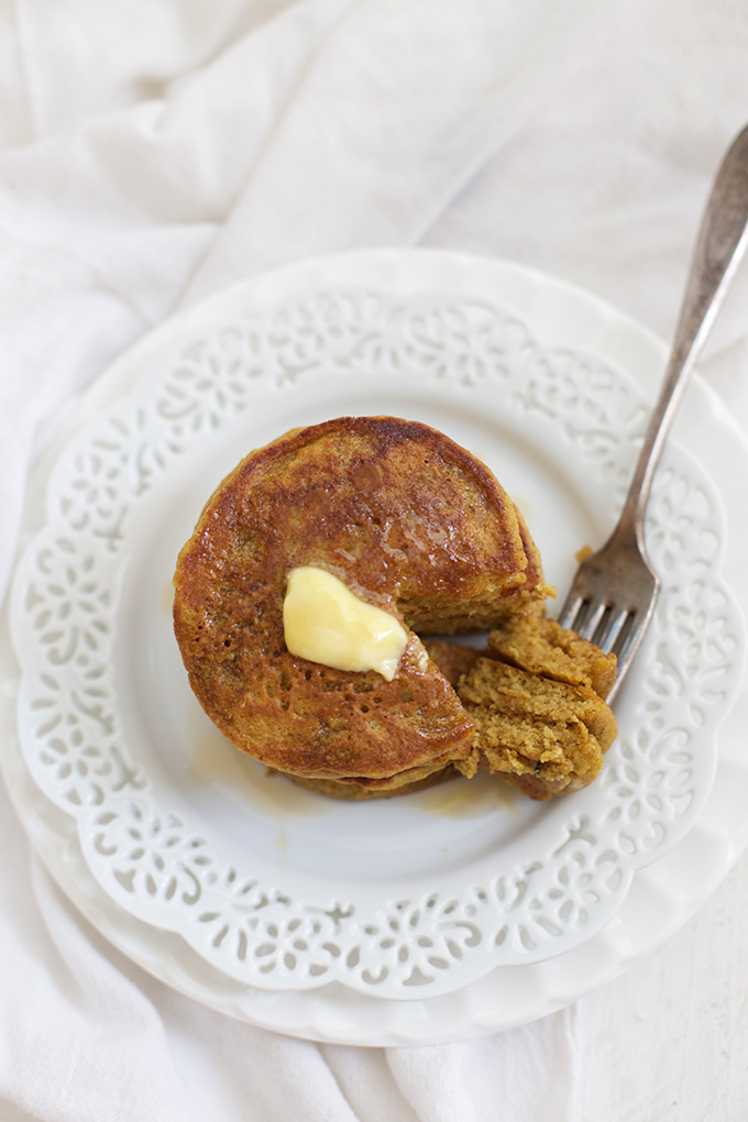 Gluten Free Pumpkin Oatmeal Pancakes - These babies are made in the blender! The texture is amazing!