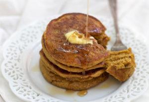 Blender Pumpkin Oatmeal Pancakes