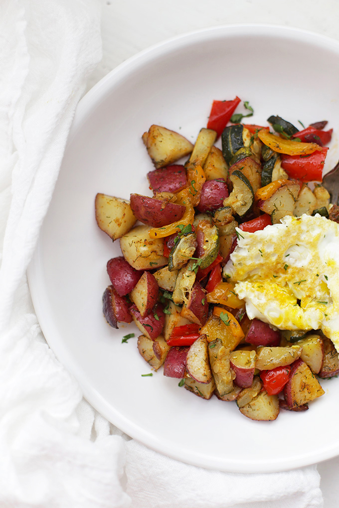 Whole30 Breakfast NEVER needs to be boring. These yummy breakfast potatoes are amazing!