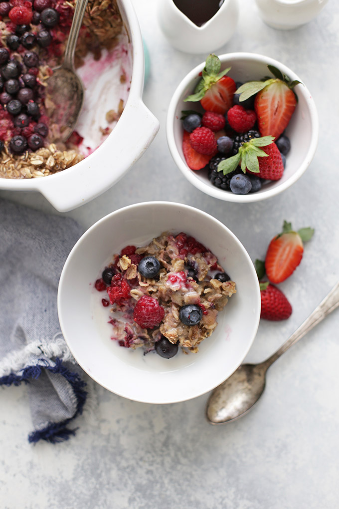 Mixed Berry Baked Oatmeal - a healthy breakfast that tastes like a dessert!