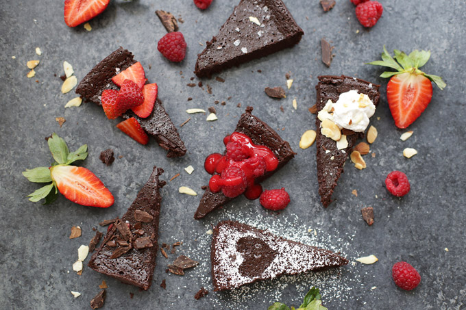 So many ways to enjoy flourless chocolate cake!