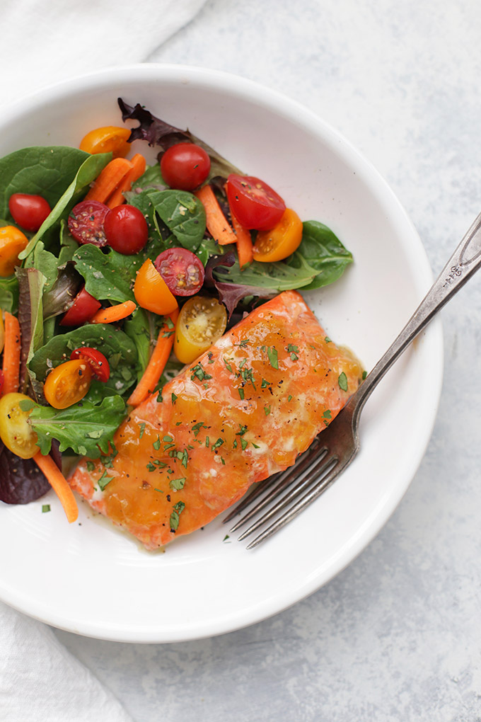 Paleo Sweet and Sour Glazed Salmon - This is such an easy healthy dinner idea!