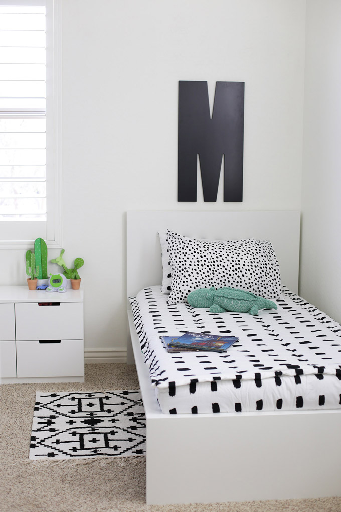 Black and White Boy's Bedroom - This turned out so cute and bright!