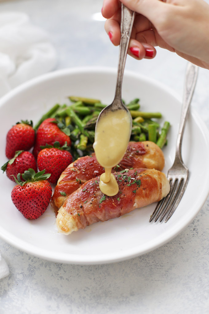 Prosciutto Wrapped Chicken with Honey Mustard Sauce - This is an AMAZING healthy 30 minute meal!