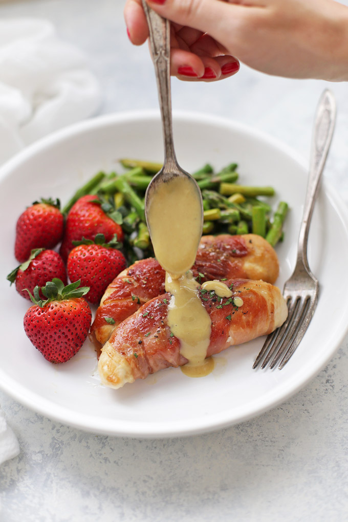 Prosciutto Wrapped Chicken with Honey Mustard Sauce - This healthy dinner is on the table in under 30 minutes!