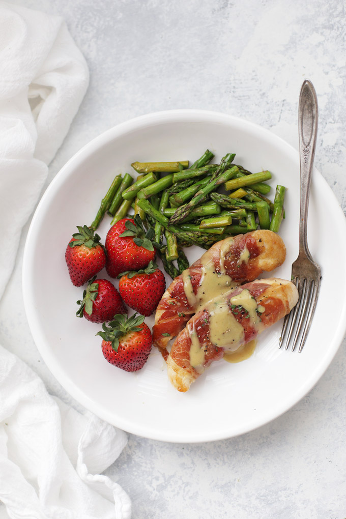Prosciutto Wrapped Chicken (Gluten free + Paleo!) An AWESOME 30 minute (or less!) meal!