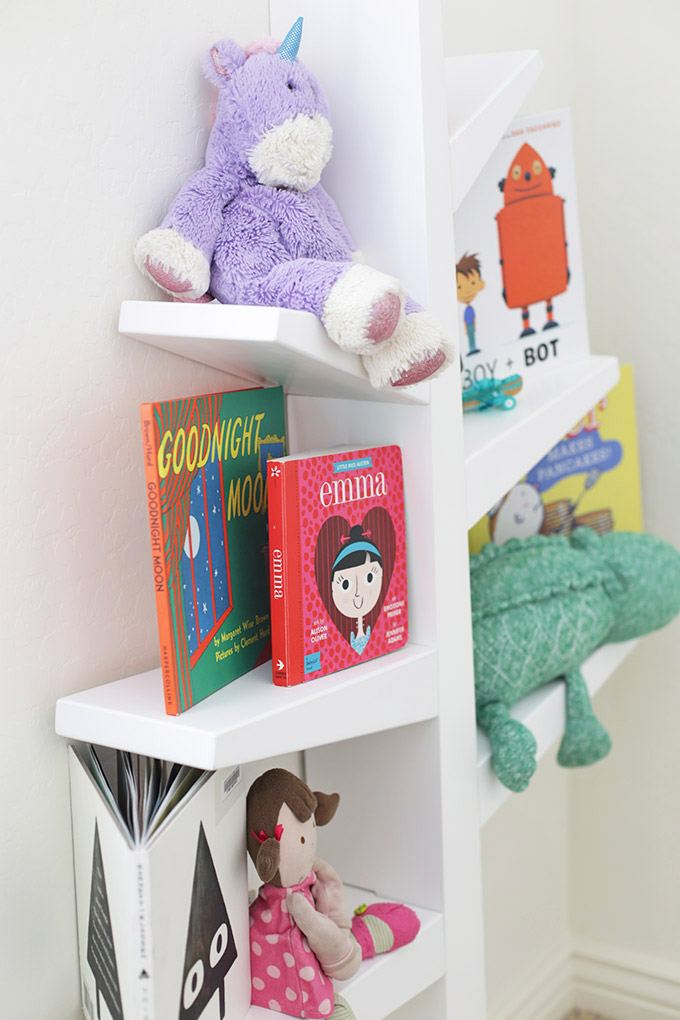 The CUTEST tree bookshelf from @babycubby. Perfect for books, toys, or playing!