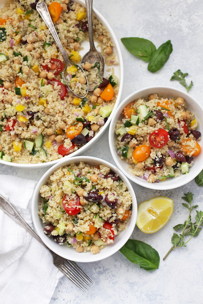 Greek Quinoa Salad - Loaded with veggies, fresh flavors, and LOTS of color!