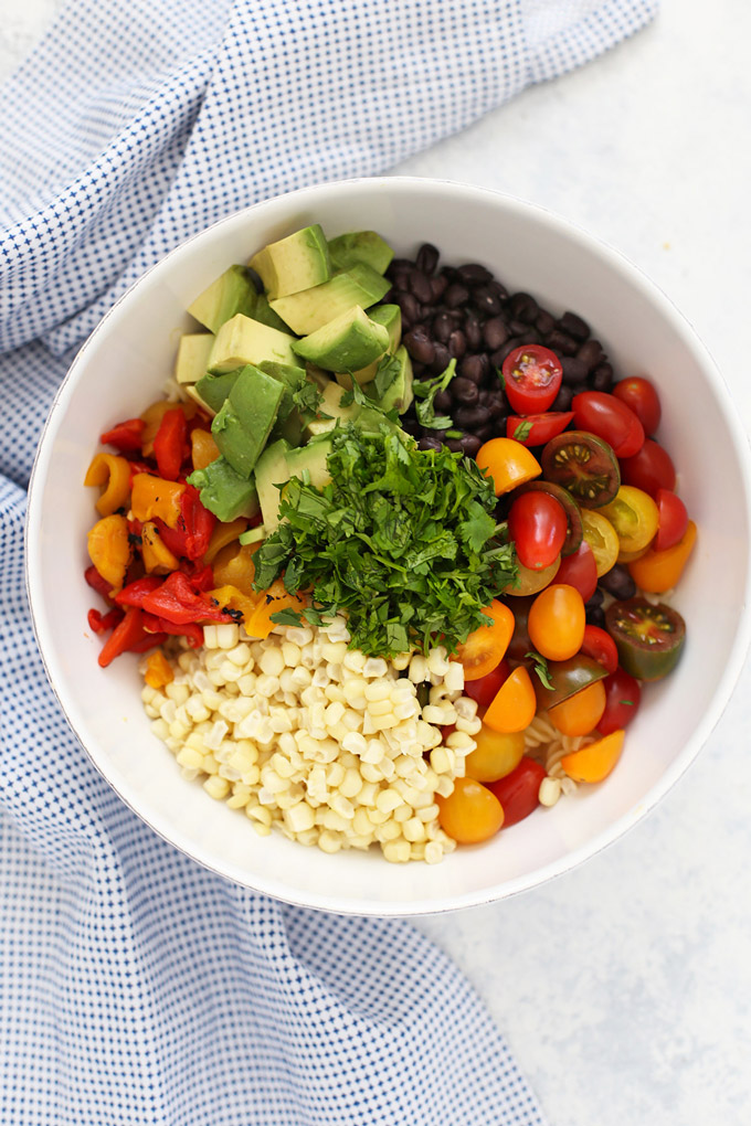 Gluten Free Vegan Taco Pasta Salad - This colorful salad is SO good for barbecues and potlucks!
