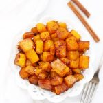 Roasted Cinnamon Butternut Squash - such an easy fall side dish! Perfect for Thanksgiving! (allergy free, vegan, paleo)