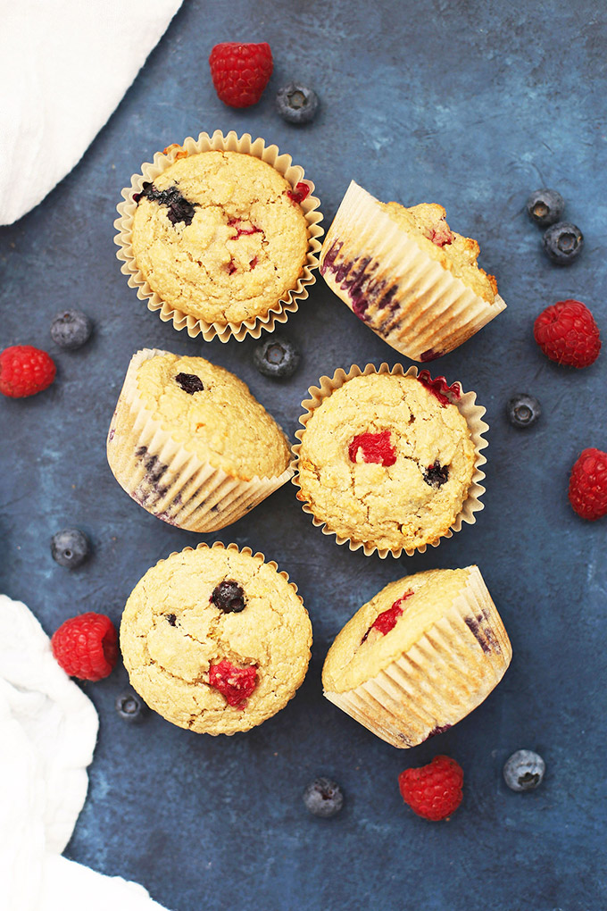 Healthy Lemon Berry Oatmeal Muffins (gluten free & vegan)
