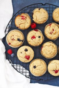 Gluten Free & Vegan Lemon Berry Oatmeal Muffins - these are amazing!