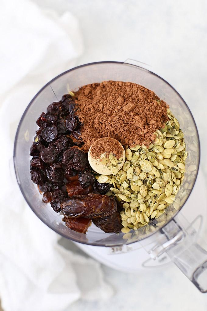 Nut Free Chocolate Cherry Energy Bites - Gluten free, paleo, dairy free, vegan meal prep snack!