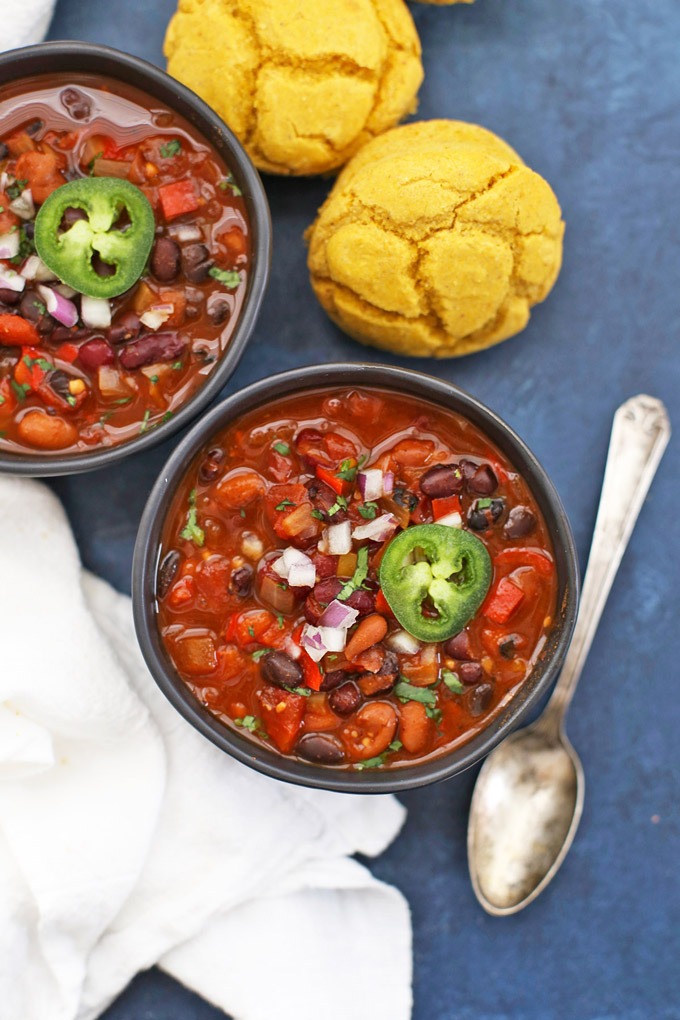 Instant Pot or Slow Cooker Vegan Chipotle Black Bean Chili - SO GOOD, and so easy!