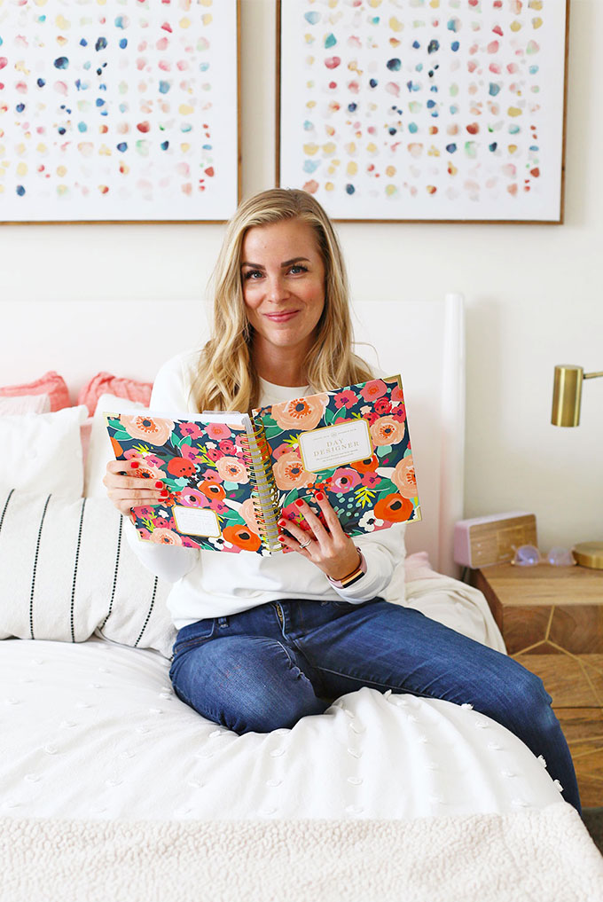 Emily of OneLovelyLife.com using her Day Designer planner in the morning.