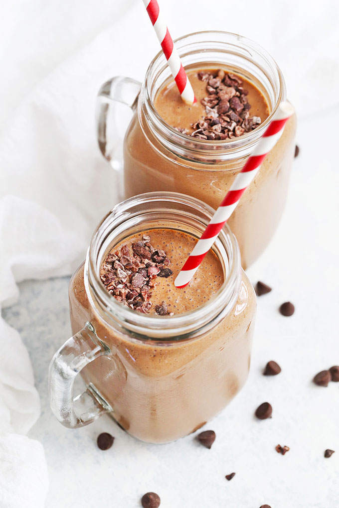 Healthy Chocolate Smoothie from One Lovely Life
