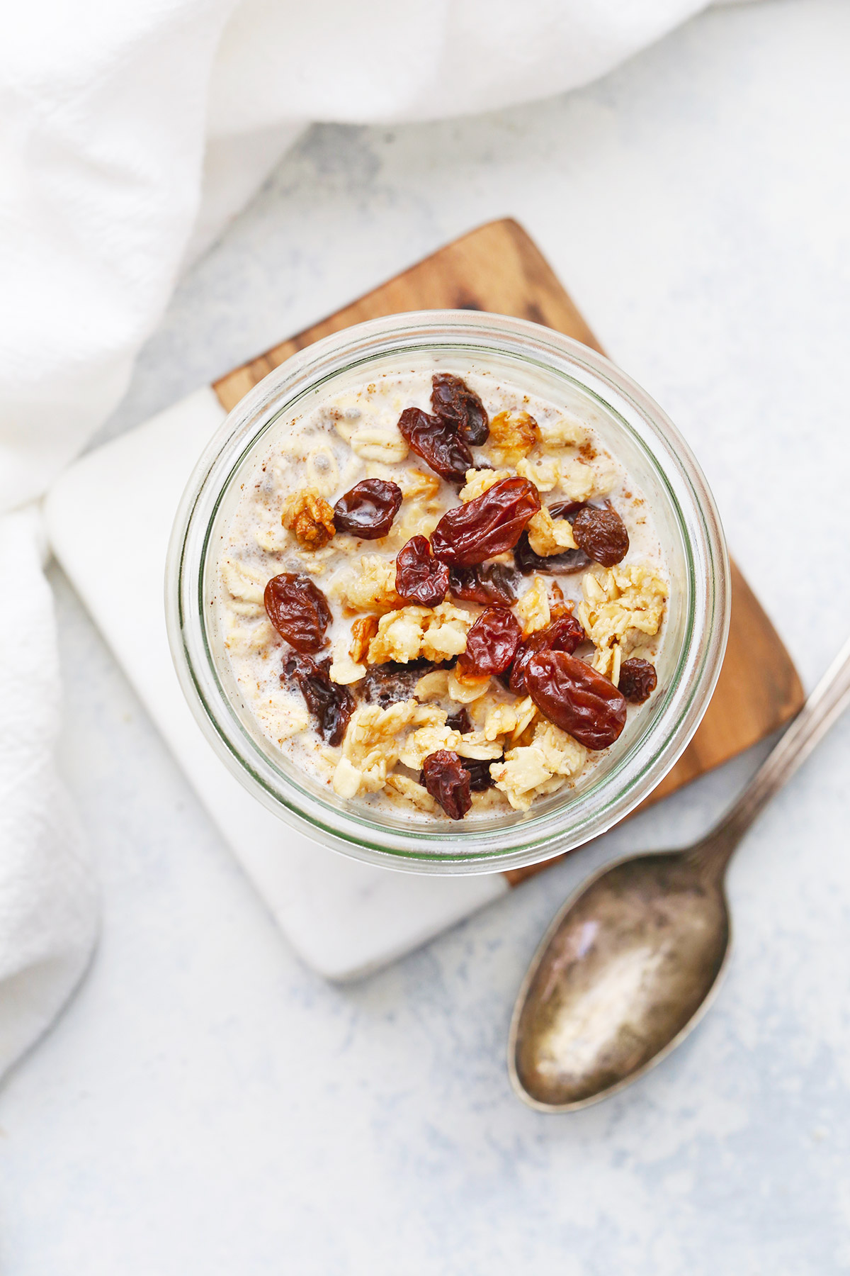 Cinnamon Raisin Overnight Oats from One Lovely Life