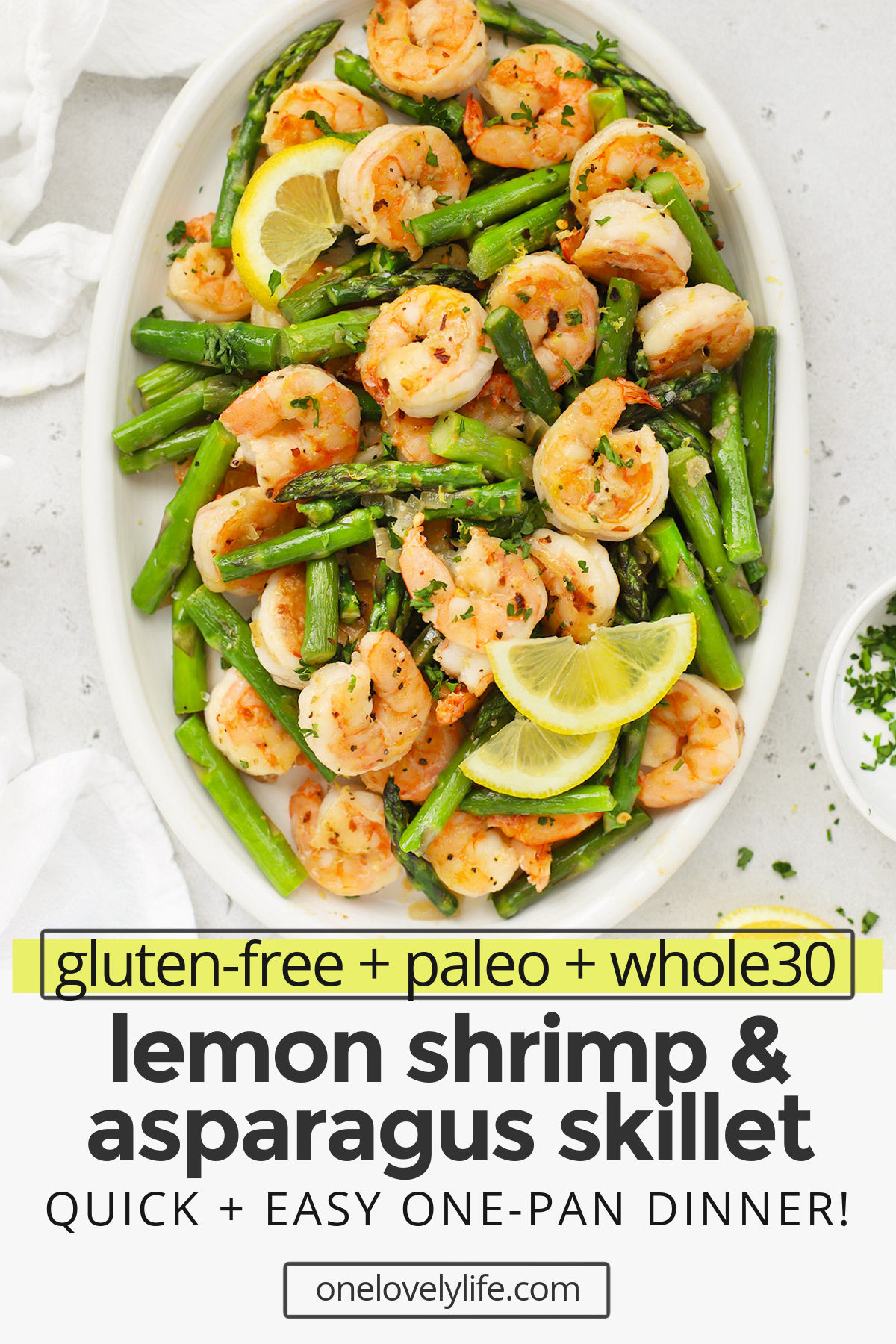 Lemon Shrimp & Asparagus Skillet - This one pan lemon shrimp with asparagus comes together quickly and packs in SO much gorgeous flavor. It's a weeknight wonder! (Gluten-Free, Paleo & Whole30-Friendly) // Shrimp recipe // Low carb dinner // one pan dinner // healthy dinner // paleo dinner // whole30 dinner // skillet recipe #shrimp #onepan #healthydinner #lowcarb #glutenfree #paleo #whole30