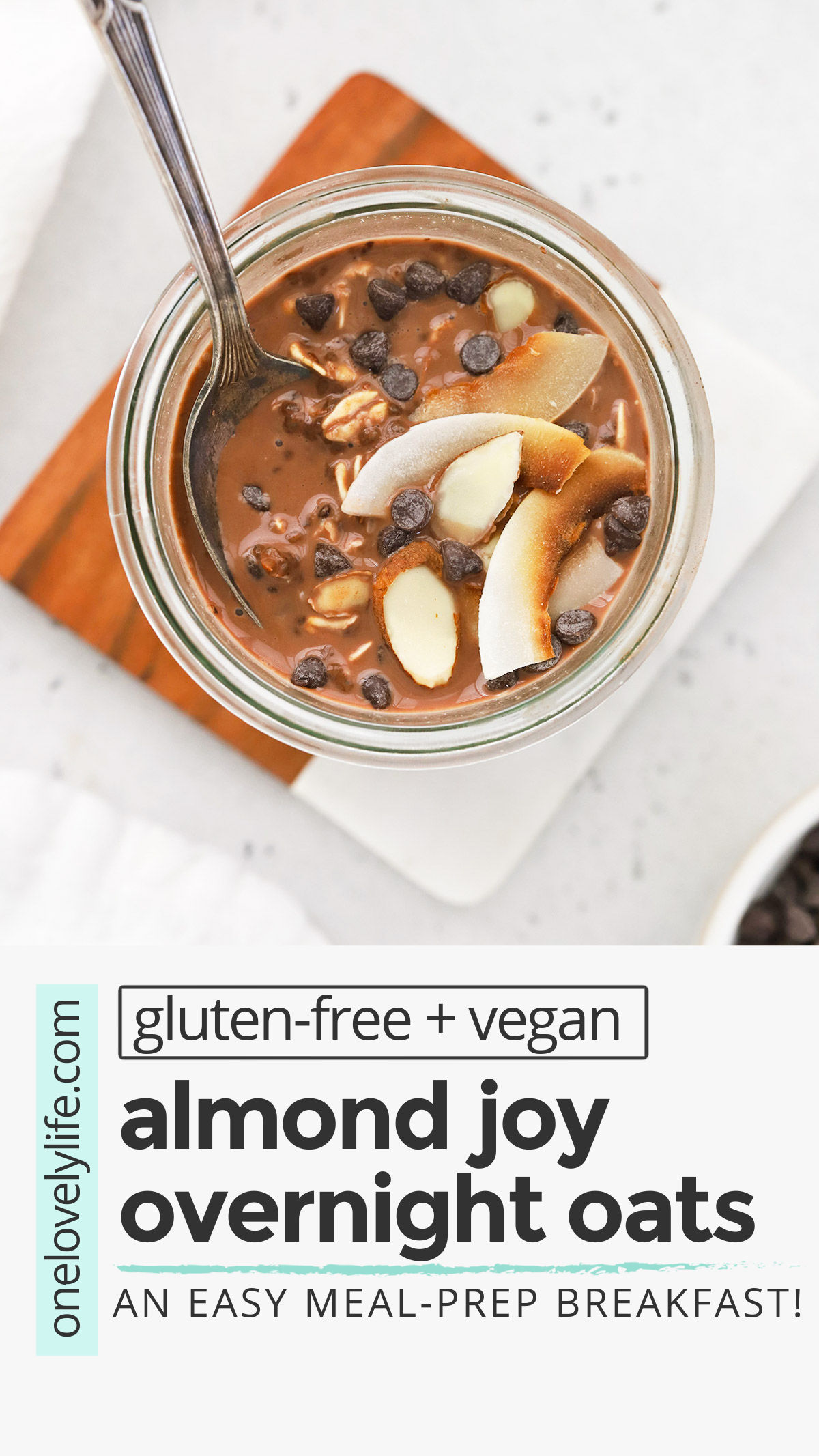 Almond Joy Overnight Oats - These creamy chocolate coconut overnight oats feel like such a treat to wake up to! (Vegan, Gluten-Free) // Healthy Breakfast // Vegan Breakfast // Gluten Free Breakfast // Chocolate Overnight Oats // Vegan Overnight Oats #almondjoy #overnightoats #healthybreakfast #vegan #glutenfree